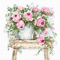 """Набор для вышивки """"Цветы на табурете"""""""